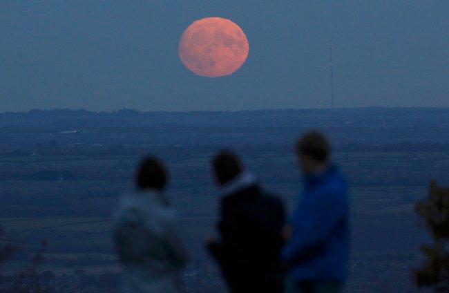 луна фото большая